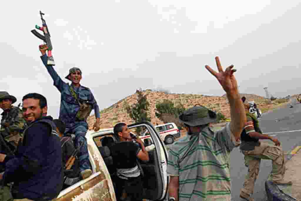 پیروزی معترضان لیبی درشهر زینتان