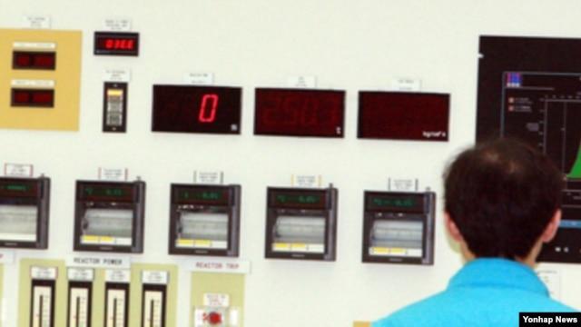 9일 위조 부품 공급으로 발전이 정지된 영광원전 6호기주조종실.