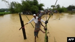 VOA Asia – Rain adds to dangers refugees face in Bangladesh