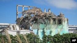 2011年福岛大地震后的日本福岛核电站。日本时间11月22日,日本福岛县又发生7.4级地震并引发海啸,目前暂无核泄漏。