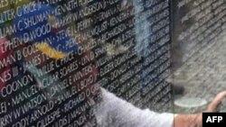 Số người đến thăm bức tường kỷ niệm chiến tranh Việt Nam đạt mức cao nhất, dù cuộc chiến tranh này không được người Mỹ có cảm tình