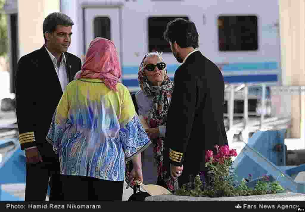 ورود قطار گردشگران خارجی به اصفهان. عکس: حمیدرضا نیکو مرام، فارس