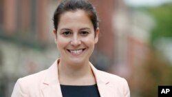 La republicana de Nueva York Elise Stefanik, de 30 años, es la mujer más joven en ser elegida al Congreso.