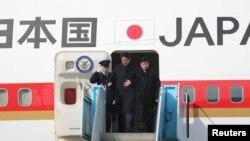 安倍2018年2月9日抵达韩国访问(路透社)