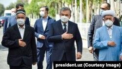 23-avgust, 2020: Prezident Shavkat Mirziyoyev Buxoro viloyati hokimi Karim Kamolovning xotira marosimida
