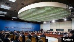 北约组织的外长2013年4月23日在布鲁塞尔的北约总部开会