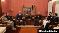 ملاقات زلمی خلیلزاد با رئیس جمهور غنی