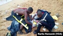 En images : au moins quatre morts dans un crash d'avion à Abidjan