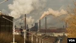 Los hallazgos de EPA indican que las emisiones de GEI provenientes de automóviles también contribuyen a esta amenaza.