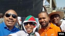 Militantes da UNITA e da CASA-CE (camisa laranja) na manifestação contra a CNA, 3 de Junho
