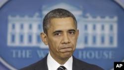 奥巴马总统2月5日在白宫向媒体发表讲话
