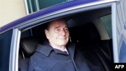 Nếu bị kết tội, ông Chirac phải đối mặt với án tù 10 năm và một khoản tiền phạt tương đương 210.000 đôla