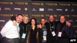 Can Film ekibi fotoğraf soldan sağa ortak yapımcı Burak Akidil, yönetmen Raşit Çelikezer, Selen Uçer Serdar Orçin ve filmin müziklerinin bestecisi Tamer Çıray ve ortak yapımcı Umman Küçükyılmaz