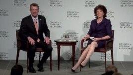 美國國防部長卡特在紐約外交關係協會回答提問(網絡截圖)