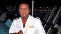 Kapten kapal pesiar Costa Concordia, Francesco Schettino, sebelum terjadinya kecelakaan 12 Januari 2012 (Foto: dok). Hakim Italia telah memerintahkan agar kapten Schettino diadili atas kelalaiannya yang menimbulkan tewasnya 32 penumpang kapal Costa Concordia.