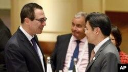 El secretario del Tesoro de los Estados Unidos, Steven Mnuchin, en la reunión de ministros de Finanzas del G-20 en Baden-Baden, Alemania.