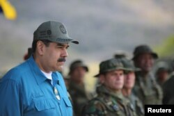 Predsjednik Venecuele Nicolas Maduro prisustvuje vojnoj vježbi u Turiamu, Venecuela, 3. februara 2019.(Miraflores Palace/Handout via Reuters)