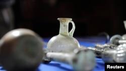 2015年3月16日国土安全部: 非法走私到美国的60多件伊拉克文物归还给伊拉克共和国