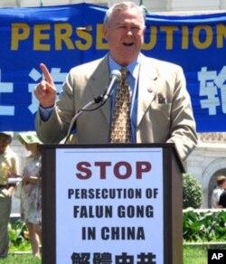罗拉巴克说中共借西方思想压迫中国人民