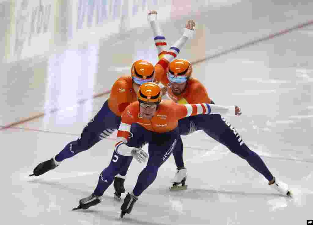تیم هلند در رشته اسکیت سرعت در مسابقات قهرمانی جهان در آلمان.