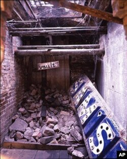 It's fascinating to walk beneath the streets of Seattle and see remnants of an earlier age that were simply buried and abandoned beneath a whole new streetscape after a fire.