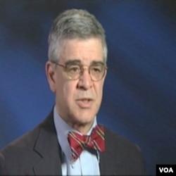 Peter Morici, ekonomist