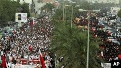 4月20号,成千上万的巴林人举行反政府抗议,并要求停止巴林一级方程式赛车大奖赛