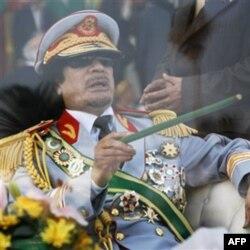 Muammar Qaddafiy hech qayerga ketmoqchi emas