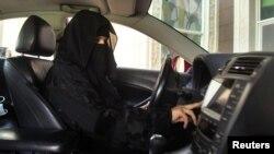 زنان عربستان سعودی پیش از این اجازۀ رانندگی نداشته اند