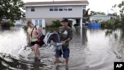31일 미국 플로리다주 슬라이델에서 허리케인 아이작이 뿌린 폭우로 물에 잠긴 주택.