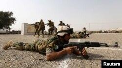 عکس آرشیوی از اردوگاه نظامی تاجی در عراق
