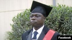 Padre Mulewu Clement. Angola