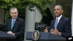 President Barack Obama (right) and Turkish Prime Minister Recep Tayyip Erdogan at joint news conference May 16, 2013
