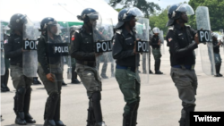 'Yan sandan Najeriya yayin kaddamar da rundunar wanzar da zaman lafiya a jihar Enugu.(Twitter/@PoliceNG)
