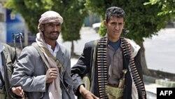 Եմենի ընդդիմությանը հարող ցեղախմբերի առաջնորդներին հավատարիմ մարտիկներ (արխիվային լուսանկար)
