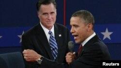 Republikanski predsednički kandidat Mit Romni i predsednik Barak Obama tokm debate na Univerzitetu Hofstra u Njujorku