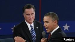 美國總統奧巴馬和他的挑戰者羅姆尼在10月16日的辯論中