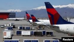 大型航空公司要求乘客佩戴口罩