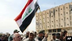 PM Irak Haider al-Abadi mengunjungi Tikrit setelah direbut oleh pasukan Irak (2/4).