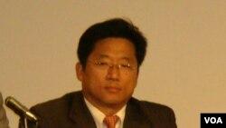民主黨參選人韓裔李明錫