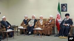 Eronda parlament saylovlarida aksariyat o'rinlar oliy diniy rahnamo Oyatulla Ali Xomeneiy tarafdorlariga nasib etdi.