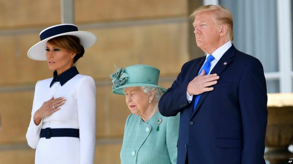 Presidenti Trump dhe Zonja e Parë fillojnë një vizitë në Britaninë e Madhe