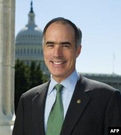Robert Keysi, demokrat senator, nazarida O'zbekiston bilan aloqalarda huquq va demokratiya masalalariga ko'proq e'tibor berish kerak