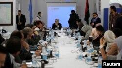 L'émissaire de l'ONU en Libye, Ghassan Salame, rencontre des groupes du sud libyen à Tripoli, en Libye, le 7 février 2018.