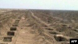 Iskopani grobovi u pustinjskoj oblasti u Iranu