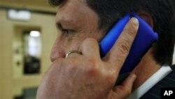 Mobilni telefoni ne povećavaju rizik od raka mozga prosječnim korisnicima