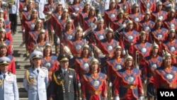 在乌兰巴托的蒙古军队仪仗队。