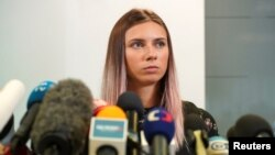 Христина Тимановська розповіла журналістам у Варшаві, що тренери пояснювали їй свої рішення вказівками вищих посадовців Білорусі