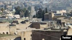 Kota Sinjar setelah dibebaskan dari militan ISIS, hari Jumat (13/11).