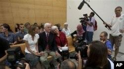 28일 이스라엘 법정에 출석한 미국인 레이첼 코리의 가족. 코리는 지난 2003년 팔레스타인 권익을 위해 활동하다 사망했다.